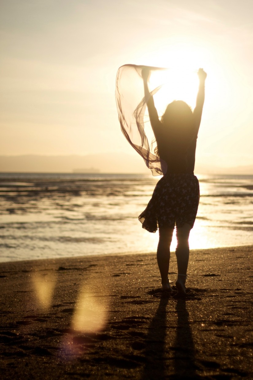 woman_beach_person_shore_sand-500856